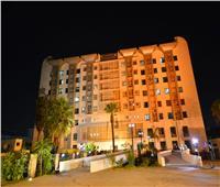 جامعة عين شمس تضيء باللون البرتقالي احتفالاً بيوم سلامة المريض