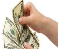 تراجع سعر الدولار الأمريكي أمام الجنيه المصري في منتصف التعاملات