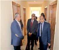 رئيس جامعة المنصورة يتفقد أعمال تطوير فندق دارالضيافة والمؤتمرات