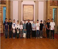 وفد طلابي من جامعة شنغهاي يزور جامعة عين شمس