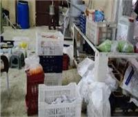 ضبط مصنع يستخدم مواد غير صالحة للاستهلاك بالإسكندرية