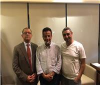 صلح بين عمرو دياب وروتانا.. وانتهاء كافة النزاعات القضائية بينهما