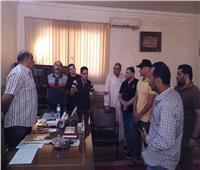 رئيس مركز الشهداء يطالب أصحاب المقهي بعدم استقبال الطلاب خلال اليوم الدراسي