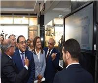 رئيس الوزراء يفتتح مركز خدمات المستثمرين ببورسعيد ويتفقد المنطقة الحرة