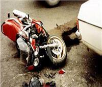 """حالتهما خطيرة.. إصابة اثنين في تصادم دراجة بخارية و""""جاموسة"""" بقنا"""
