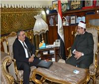 وزير الأوقاف يستقبل قنصل مصر الجديد بجدة