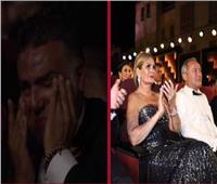تامر حبيب ويسرا يبكيان بسبب «فايا يونان» في مهرجان الجونة