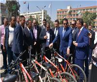 صور.. وزير التعليم العالي يشهد مراسم تحية العلم بجامعة عين شمس