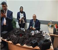 جمارك مطار القاهرة تضبط محاولة تهريب 13 كيلو من الشعر الطبيعي المستعار