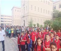 بالصور| توافد الطلاب على مدارس الجيزة