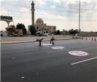 بدء تطوير بعض الطرق ورفع المخلفات المتراكمة على المحاور بمدينة دمياط الجديدة