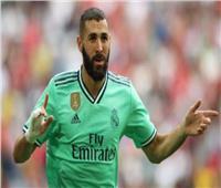 صحف إسبانيا تركز على تألق بنزيما بتسجيله هدف الفوز على إشبيلية