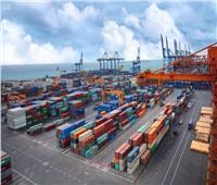 تداول 8 آلاف طن بضائع و404 شاحنات و431 سيارة بموانئ البحر الأحمر