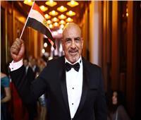 محمد لطفي يظهر بعلم مصر في ختام مهرجان الجونة السينمائي