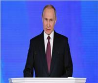 فلاديمير بوتين: الثقة العالمية في الدولار تتراجع