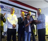 صور| «الدلتا للسكر» تكرم مصابي حرب أكتوبر من أبناء كفر الشيخ