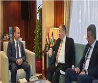 نصار يبحث مع وزير الاقتصاد الفلسطيني تعزيز العلاقات بين البلدين