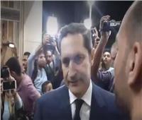 فيديو| علاء وجمال مبارك في عزاء طلعت زكريا