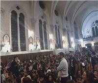 1000 طفل يستقبلون البابا تواضروس بفرنسا