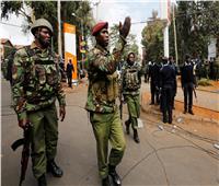 الشرطة الكينية: مقتل 10 شرطيين في انفجار قنبلة قرب الحدود مع الصومال