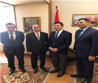مصر وسنغافورة تبحثان سبل تطوير التعاون الثنائي