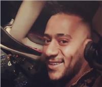 خبراء يكشفون مفاجأة عن قيادة محمد رمضان لطائرة