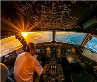 عواقب دخول محمد رمضان قمرة طائرة.. خبراء يجيبون