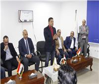 وزير الرياضة يتبنى مبادرة تعليم اللغة الإنجليزية داخل مراكز الشباب