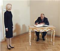 وزير الخارجية يلتقي رئيسة البرلمان اللاتفي خلال زيارته إلى ريجا