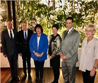 وزيرة الثقافة تلتقي وزير العمل الصربي لبحث فرص الاستثمار بين البلدين