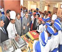 محافظ أسيوط يزور المدرسة الثانوية الفندقية ويشيد بمستوى الطلاب والمعلمين