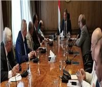 «قطاع الأعمال» يناقشتطوير شركات الاتحاد المصري لجمعيات المستثمرين