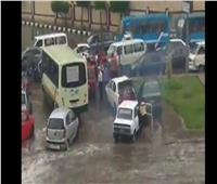 الأمطار تحول شوارع أبو زعبل وعرب العليقات لبرك مياه