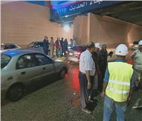 محافظ الجيزة يقود عمليات شفط مياه الأمطار بالشوارع