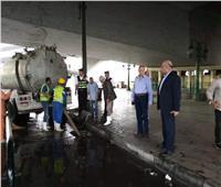 صور| نائب محافظ القاهرة يتابع عملية شفط مياه الأمطار