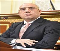 وزير الإسكان يستعرض المخطط التنموى للأراضى المحيطة بمحور المحمودية بمحافظة الإسكندرية