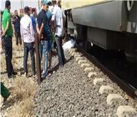 أول تعليق من وزير النقل على حادث إلقاء شابين من قطار الإسكندرية