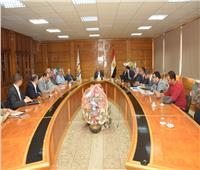 رئيس جامعة أسيوط يستقبل وفد الهيئة العربية للتصنيع لإنشاء مستشفى 2020