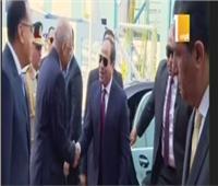 لحظة وصول الرئيس السيسي لافتتاح مشروعات قومية بمحافظتي السويس وجنوب سيناء