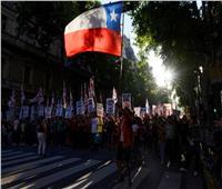 الاحتجاجات تتأجج في تشيلي بعد قرار الرئيس بـ«عدم التنحي»