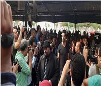 صور| لقاء الخميسي وعبد المنصف يصلان جنازة هيثم أحمد زكي