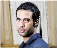 تعرف على أول رد فعل لشقيق هيثم أحمد زكي بعد وفاته