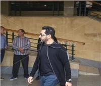 ظهور أحمد حلمي في عزاء والد أكرم حسني