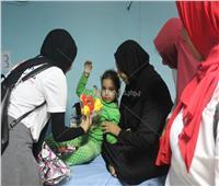 صور  «طلاب من أجل مصر» يوزعون حلوى المولد على مرضى مستشفى قنا الجامعي