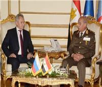 وزير الدفاع: حريصون على زيادة الشراكة مع روسيا بمختلف المجالات العسكرية