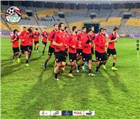 صور| منتخب مصر يؤدي مرانه بمشاركة «حجازي»