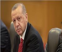 تركيا تعزل أربعة رؤساء بلديات أكراد لمزاعم بصلتهم بالإرهاب