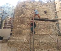 صور| «آثار الإسكندرية» تبدأ في أعمال ترميم «الطاحونة الأثرية» بالمندرة