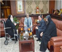 محافظ المنيا يستقبل أسقف بني مزار للتهنئة بالمولد النبوي
