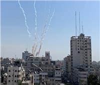 إطلاق صواريخ جديدة تجاه إسرائيل.. وصافرات الإنذار تدوي بغزة